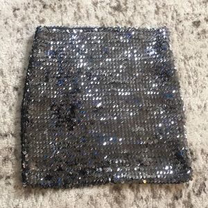 🌟3/$25 or 5/$30 Sequins miniskirt